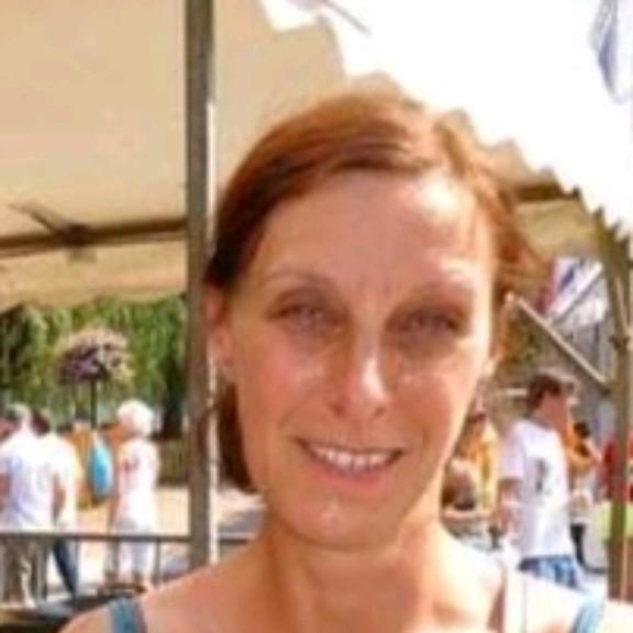 Photo of teacher Ellen Galas