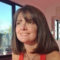 Photo of teacher Sherlla Oliveira