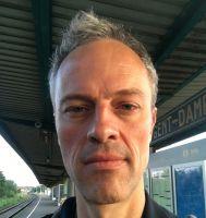 Photo of teacher Bernard Cromphout
